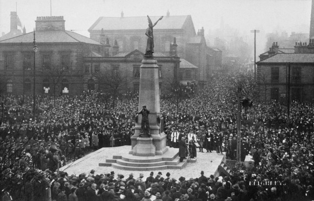 The unveiling of the memorial in Keighley, Bradford,1924.