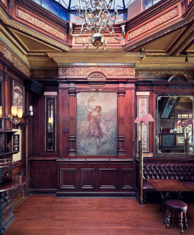 the-tottenham-pub-interior-1-needs-copyright-info