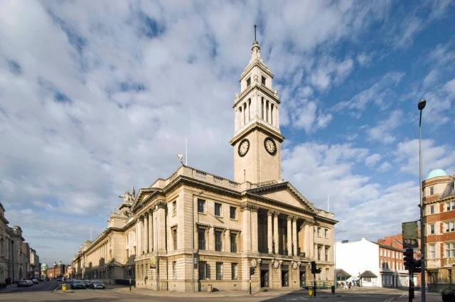 hull city guide, pevsner buildings of england. hull, humberside the guildhall