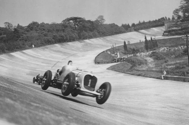 brooklands-historic-photo-copyright-brooklands-museum-surrey