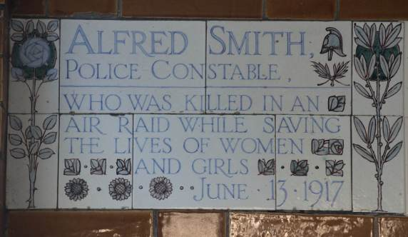 postmans park alfred smith plaque JY56089