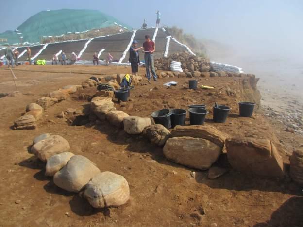 Low Hauxley Cairn under excavation