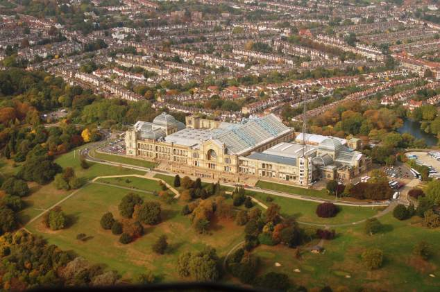 Alexandra_Palace_from_air_2009 wiki