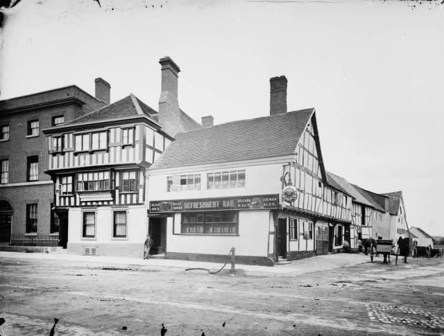 CC57_00316 Black Bear, Tewkesbury, 1860-1922