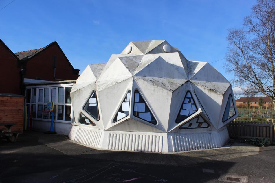 Plastic Classroom at Kennington Primary School, Preston, Lancashire c Historic England