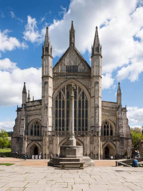 Winchester Cathedral c HE Archive DP189199