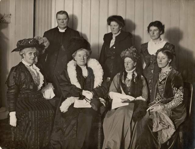 Debate beteen Suffrage and Anti-Suffrage Societies