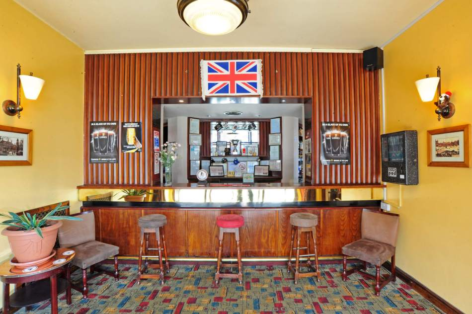6 Shakespeares Head, Leicester lobby bar copy