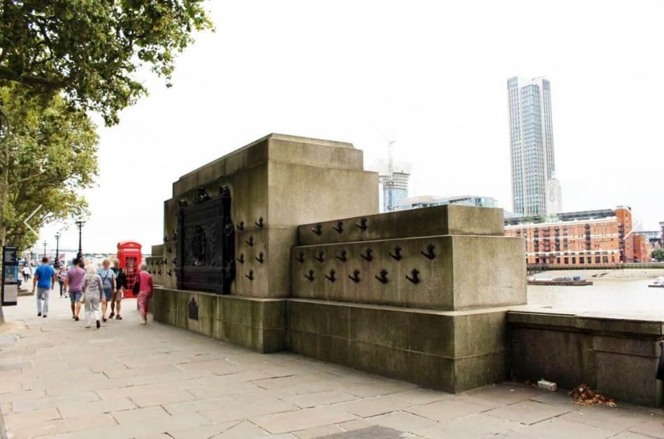 Embankment war memorial 2
