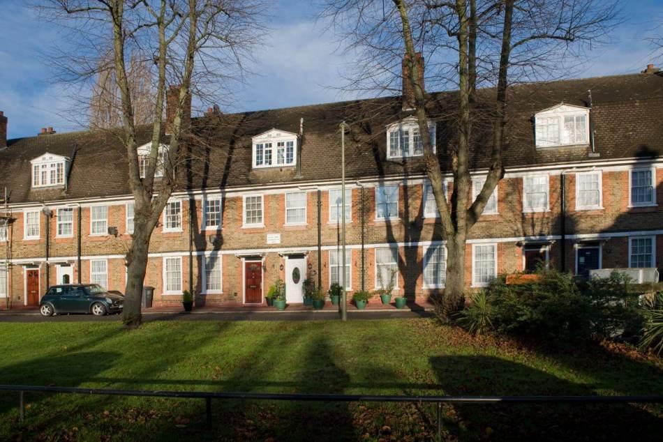 Aeroville EstateBooth Road Hendon  London NW9