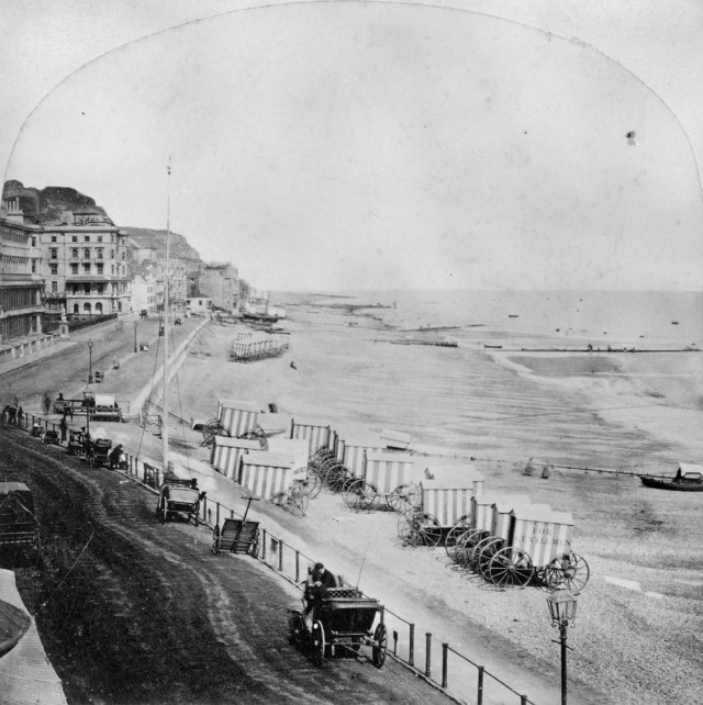 Hastings beach in the late 19th century © Historic England Archive. Ref: BB68/05589