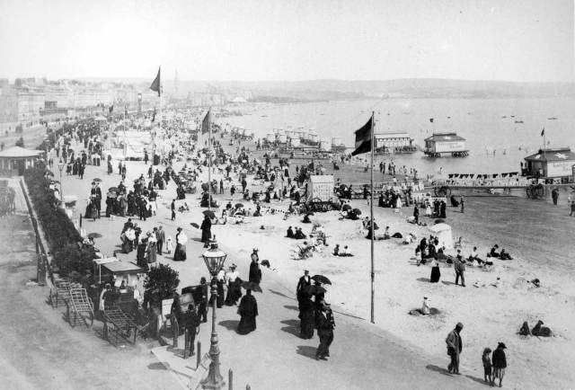 Weymouth Beach in the late 19th century © Historic England Archive BB88/02329