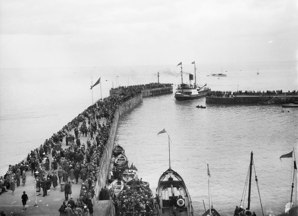 Packed harbour in Bridlington