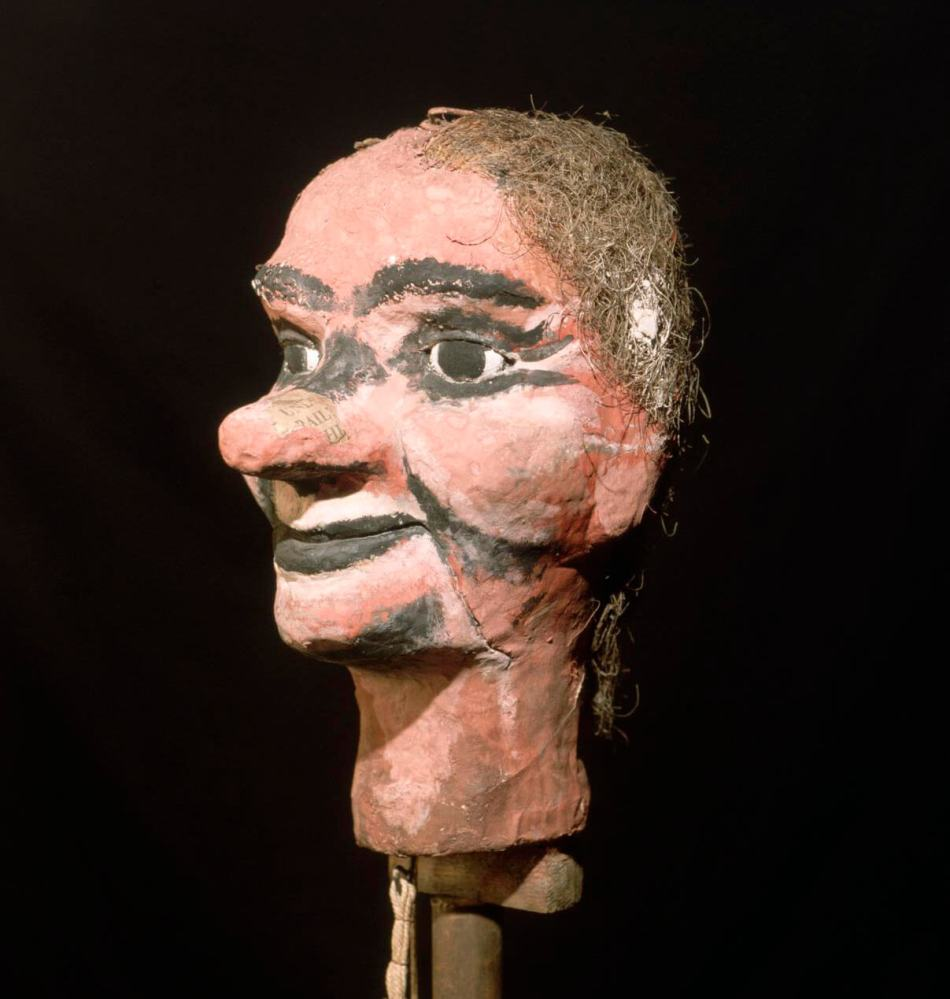 This ventriloquist's dummy – Stooky Bill, its painted features helping give high contrast to enhance the image - was one of two used by Baird in his Selfridges demonstrations. Image in the public domain.