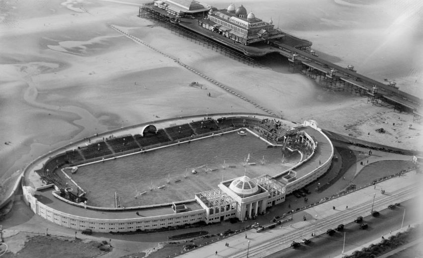Swimming baths and pier at Blackpool from above