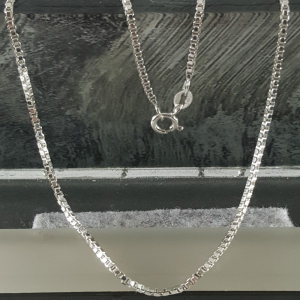 NeckBoxChain.16,18,20,22,24in, 1.5mm,2.0mm,2.5mm, 3.0mm SterlingSilverVV
