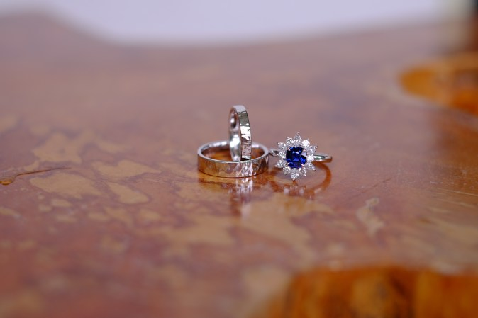 Unheat Royal Blue Sapphire Ring Wedding Bands