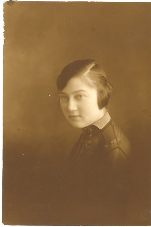Unknown Woman- Photo in with Broida and Green Family Pictures