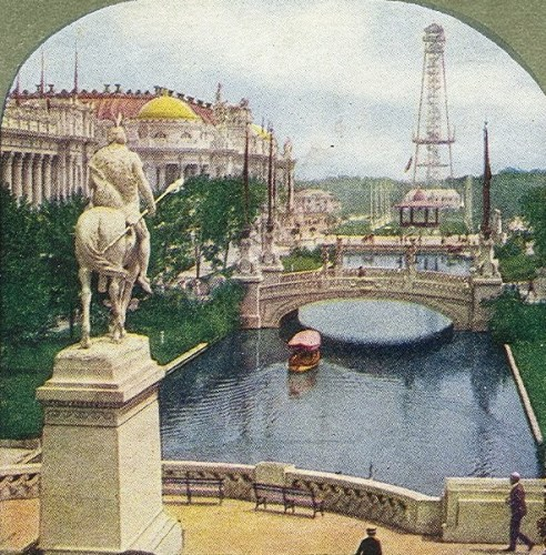 1904 Louisiana Purchase Exposition East Lagoon. Via Wikimedia, public domain.