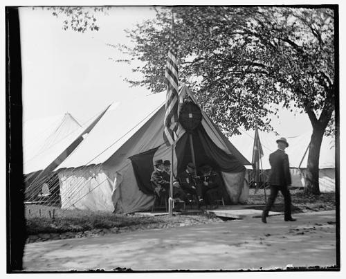 """Swopping Yarns."" October, 1902 GAR Encampment, Washington, D.C. Glass negative, via Library of Congress, no restrictions."