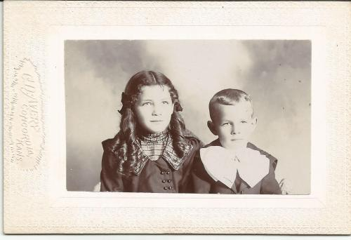 Opal & Lynn (no surname given), from the William Roberts Family Photo Collection.