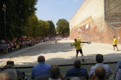 Tamburello game played in the Piemonte region in Italy (©LaMoRo development agency, Italy)