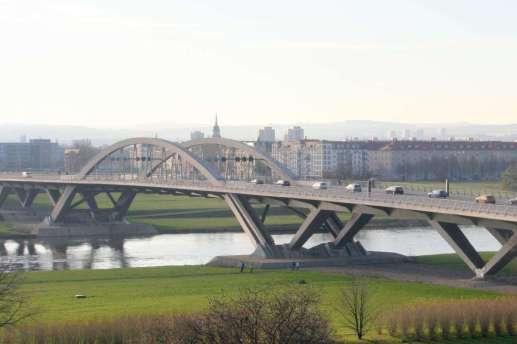 Waldschlösschenbrücke at Dresden Elbe Valley (Autor & Copyright: Stefan Simon)