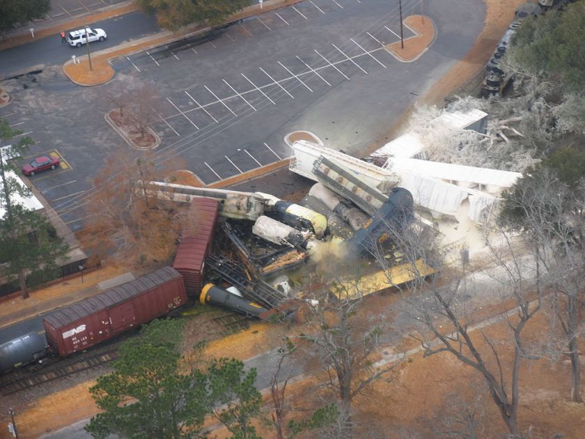 graniteville-train-wreck-dot-111-gas-release
