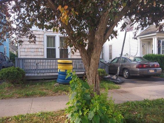 Herkimer's Kim Vargis' drugmobile at 328 Pleasant Ave. (NY Reg. JRY 1993)