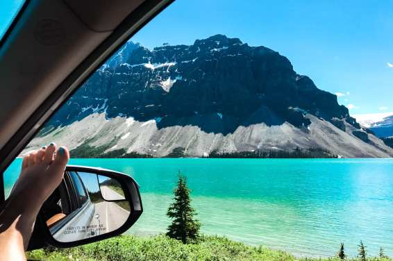 ice fields parkway Alberta Canada  Canadian rockies national parks Incredible photos to inspire your Canada National Park Adventure. Covering Jasper + Banff + Yoho | HerLifeAdventures.Blog | #traveldestinations #travelideas #northamericatravel #traveltips  #travelhacks #travelguide #adventuretravel #roadtrip #nationalpark #nationalparkroadtrip #alberta #canada #britishcolombia