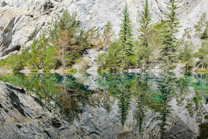 Grassi Lakes trail in Canmore, Alberta Canada leading you to 2 jaw dropping lakes.   Her Life Adventures   #grassilakes #canmore #albera #canada #howtofind #wheretogo #whattodo #trail #hike #winter #summer