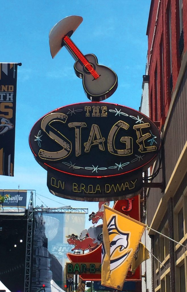 The Ultimate Guide to Nightlife on Nashville's Broadway