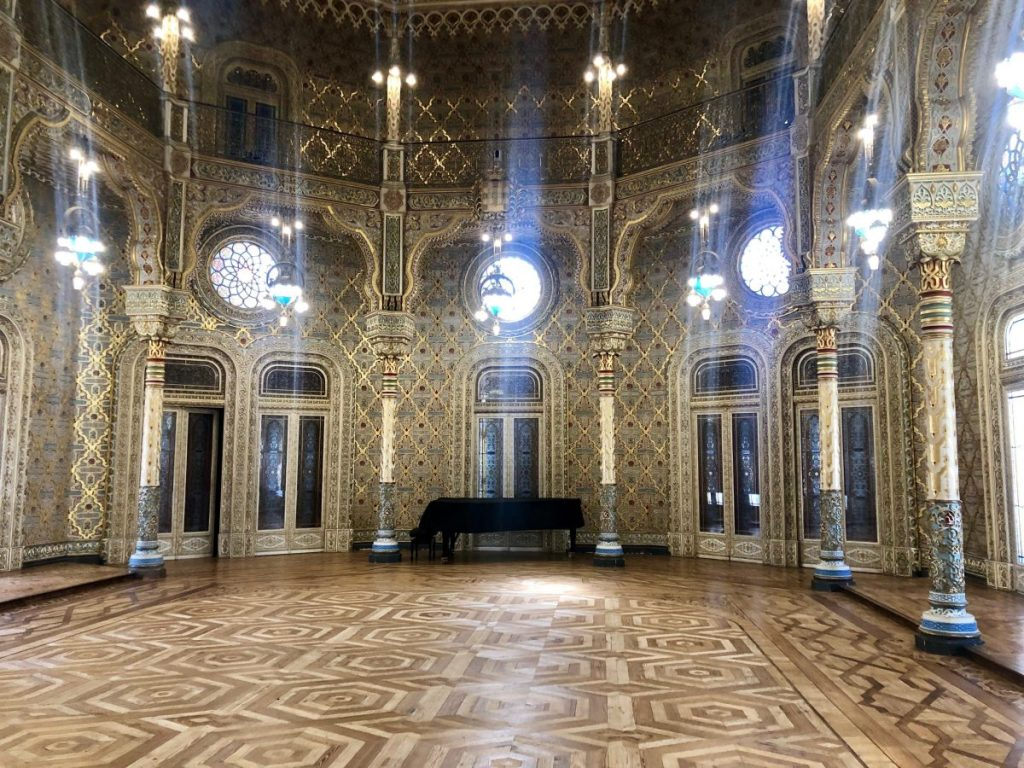 The Arabian Room in the Palácio da Bolsa in Porto | Her Life in Ruins