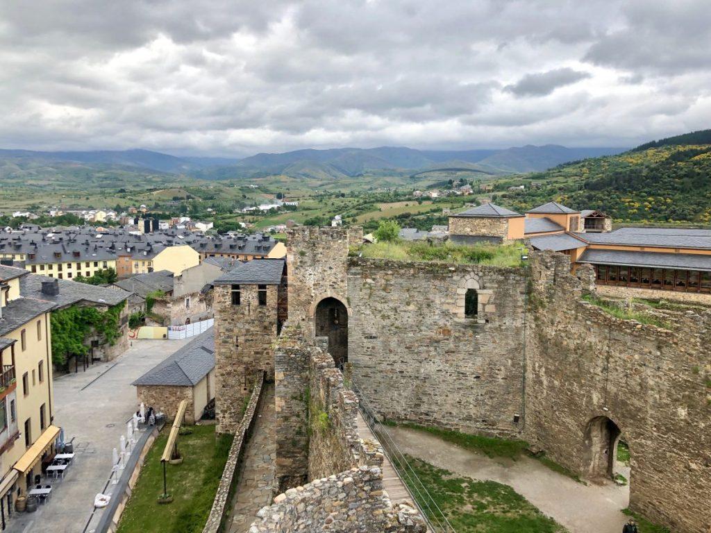 Remaining walls at the Templar Castillo de los Templarios | Her Life in Ruins