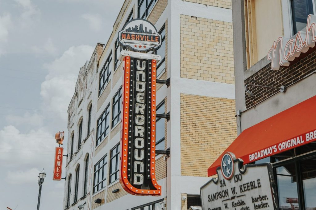 Nashville Underground | The Ultimate Guide to Nashville's Lower Broadway | Her Life in Ruins