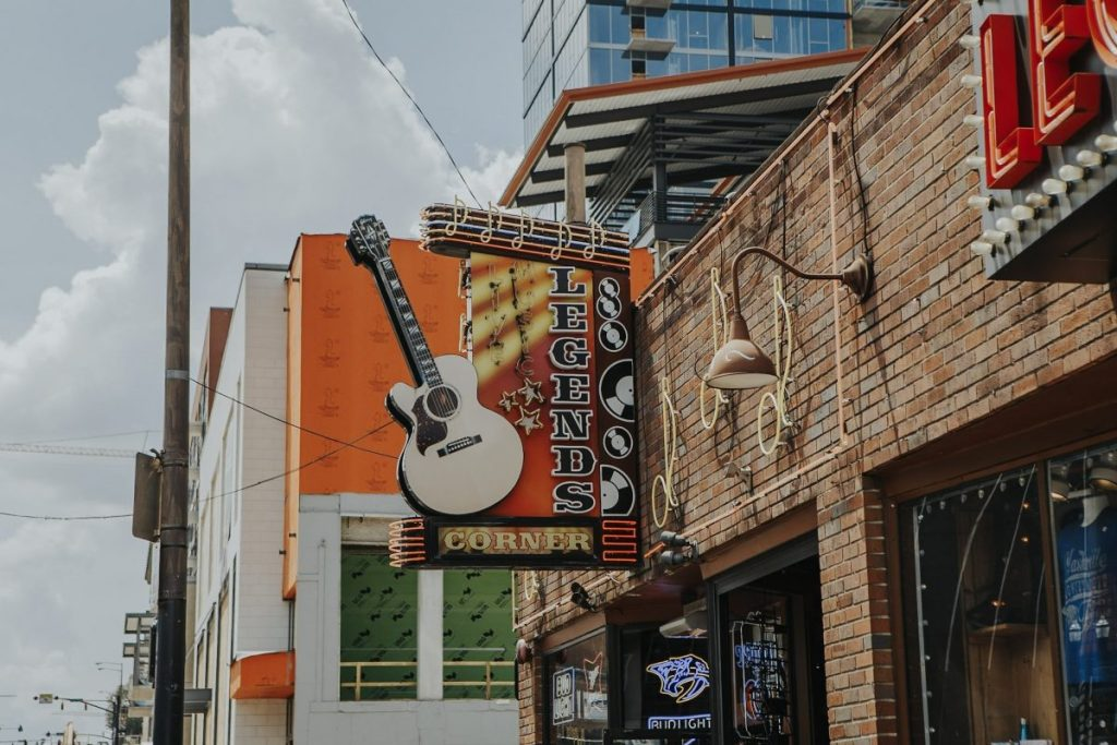 Legends Corner | The Ultimate Guide to Nashville's Lower Broadway | Her Life in Ruins