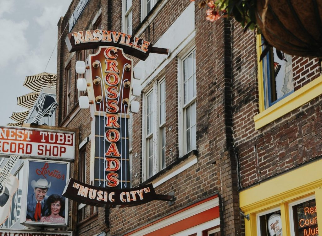Nashville Crossroads | The Ultimate Guide to Nashville's Lower Broadway | Her Life in Ruins