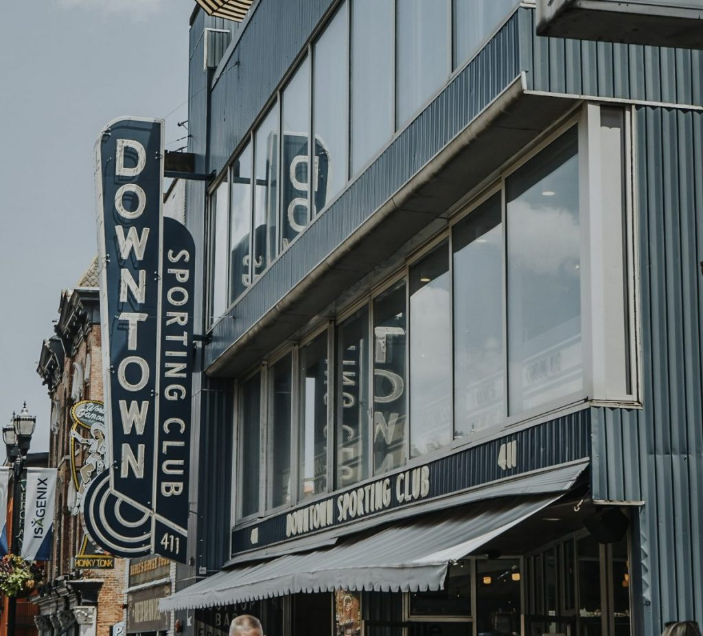 Downtown Sporting Club | The Ultimate Guide to Nashville's Lower Broadway | Her Life in Ruins