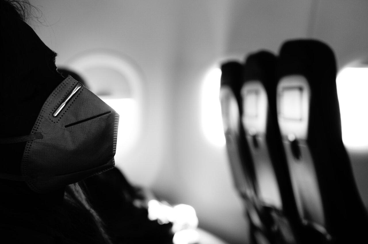 sejas maska lidmašīnā