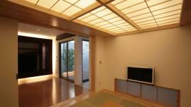 和室の障子の天井