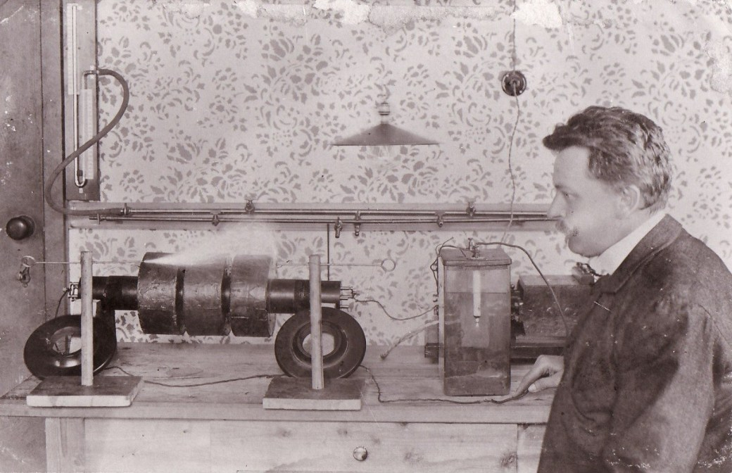 Daniel-Swarovski dans son atelier