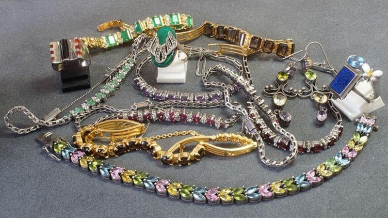 bijoux fantaisies dorés et argentés