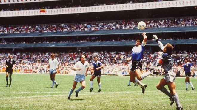 POEMA 37 | De la mano del fútbol (1986) | Hernán Urbina Joiro