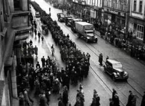 Hungerdemonstration auf der Bahnhofstraße, 1947, Foto Bildarchiv Herne