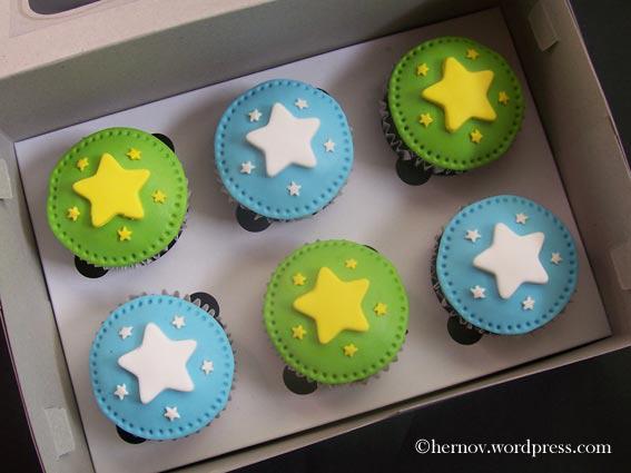 hernovs-star-cupcakes