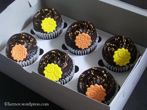 irma's-mcg-cupcakes-01