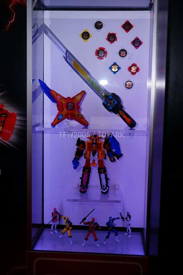nycc-2016-power-rangers-ninja-steel-2
