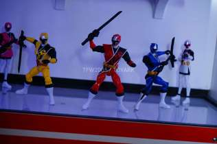 nycc-2016-power-rangers-ninja-steel-4