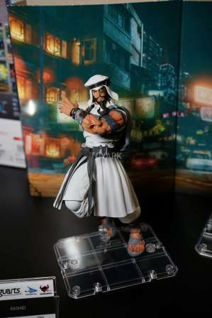 new-york-toy-fair-2017-bluefin-s-h-figuarts-street-fighter-rashid-6