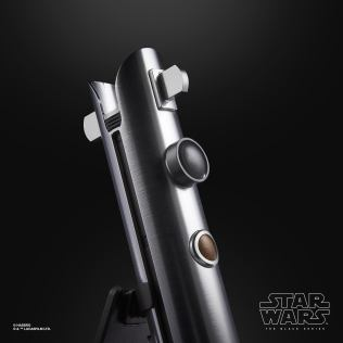 Star Wars Black Series Ahsoka FX Lightsaber 4